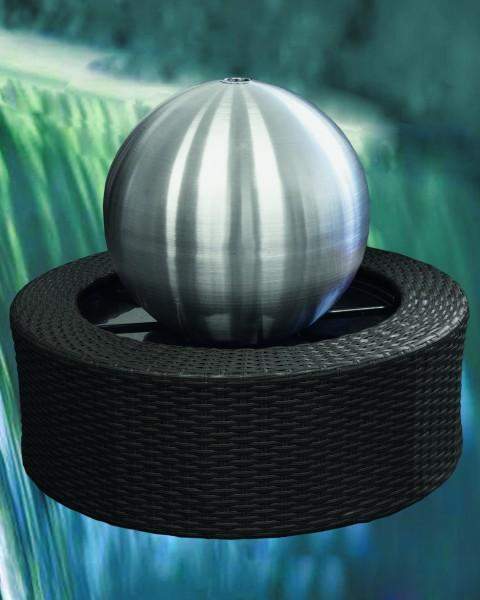 Wasserspiel Edelstahl-Kugel matt 35 cm mit Rattanumrandung, Pumpe und LED