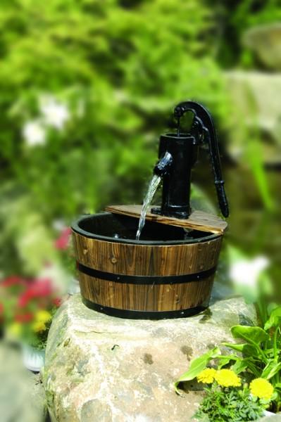 Wasserspiel Cork mit Holzbecken